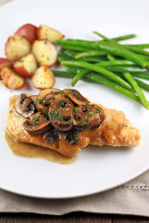 chicken marsala with mushrooms recipe | jessicagavin.com