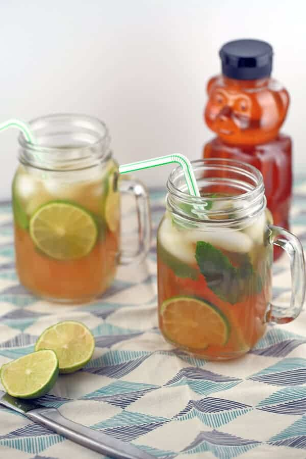 Jasmine Green Iced Tea Limeade Drink - A refreshing yet revitalizing beverage for those warm summer days. Naturally sweetened with just a touch of honey! | jessicagavin.com