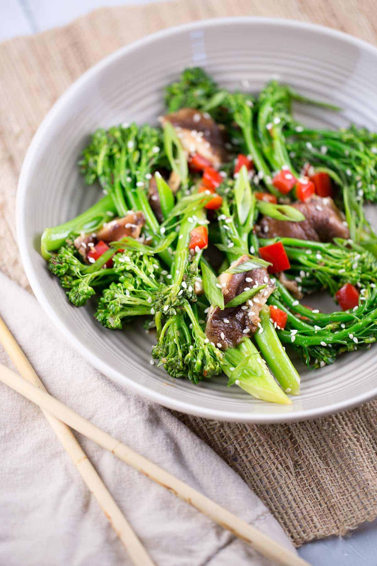 Stir-Fry with Broccolini and Shiitake Mushrooms | jessicagavin.com #chineserecipe