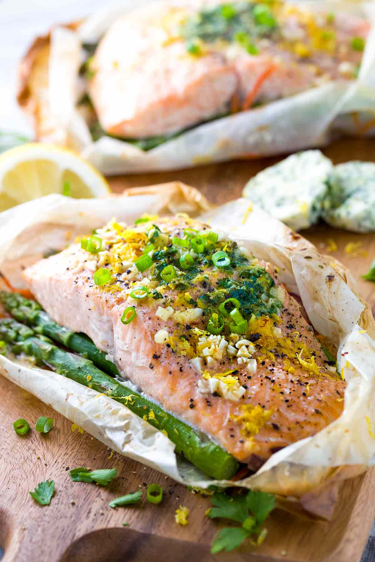 Salmon en papillote in paper with vegetables jessica gavin for Fish with vegetables