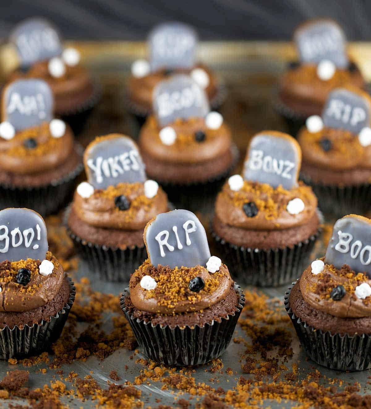 halloween graveyard brownie cupcakes scary treats for your favorite little ghosts and goblins dense