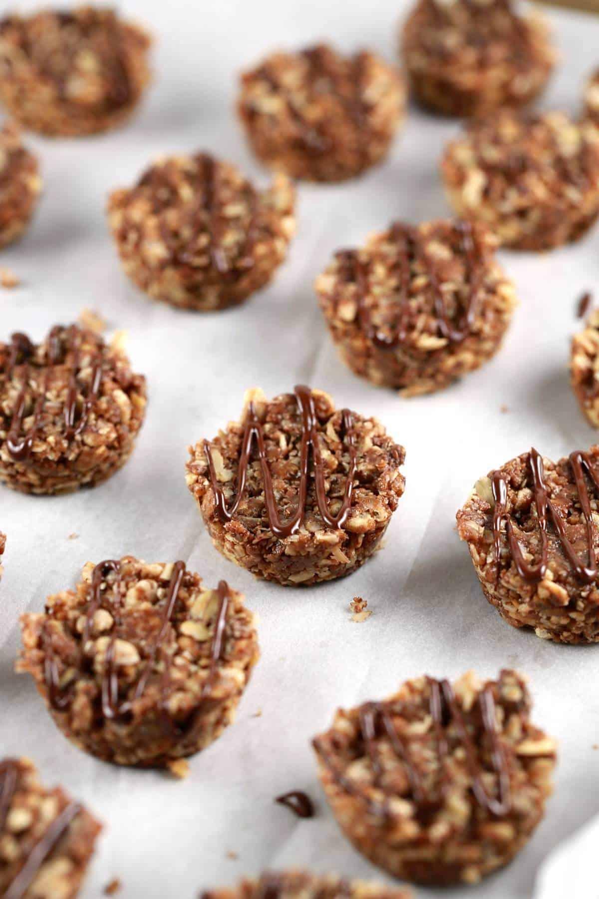 Dark Chocolate Granola Snack Bites