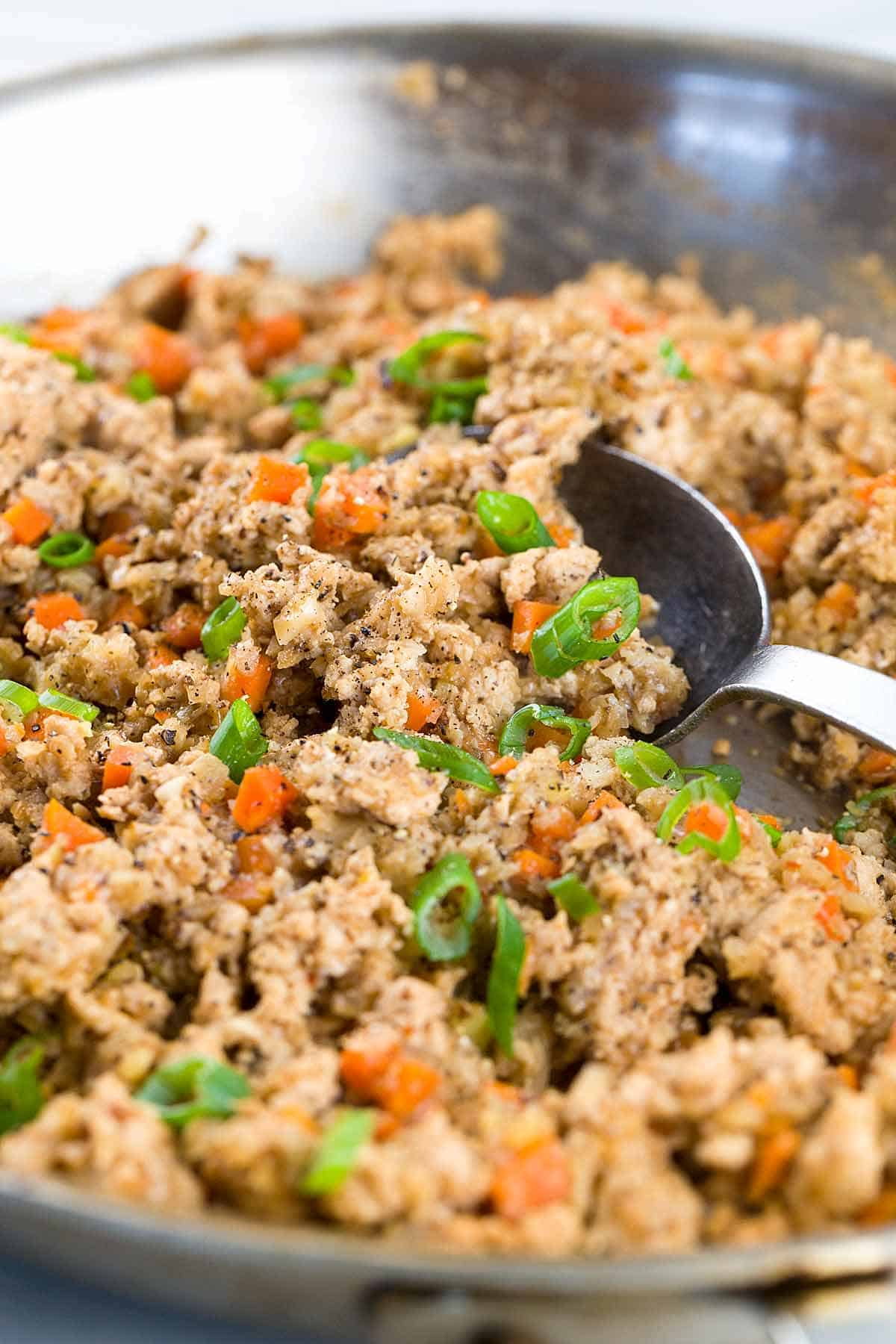Chinese Lettuce Wraps With Ground Turkey - Here's a flavorful, fast and healthy meal made all in one wok! Turkey and fresh vegetables fill each wrap. | jessicagavin.com