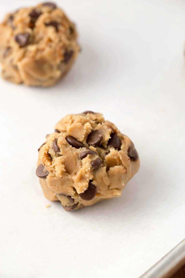 Chocolate chip cookie dough splitting technique