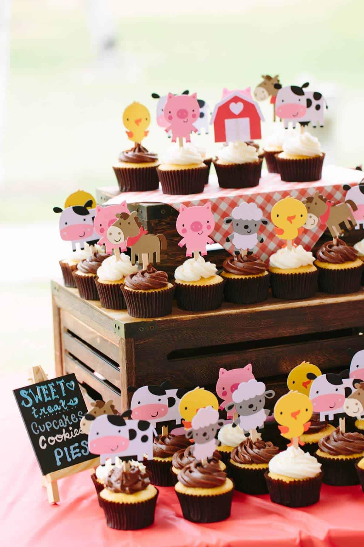 james-1st-bday-farm-animal-cupcakes