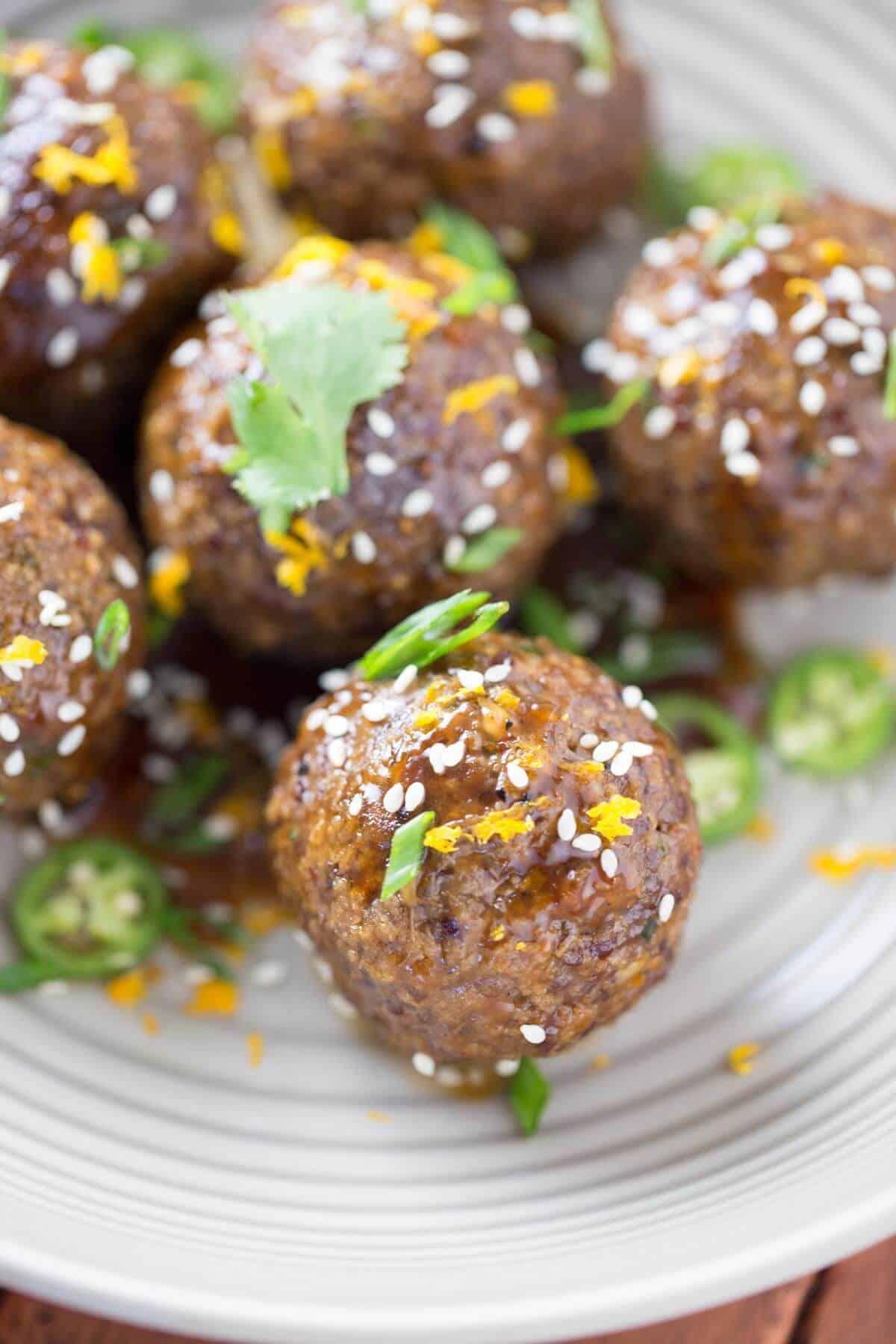 Asian Spiced Quinoa Meatballs with Orange Sauce | jessicagavin.com #healthyrecipe
