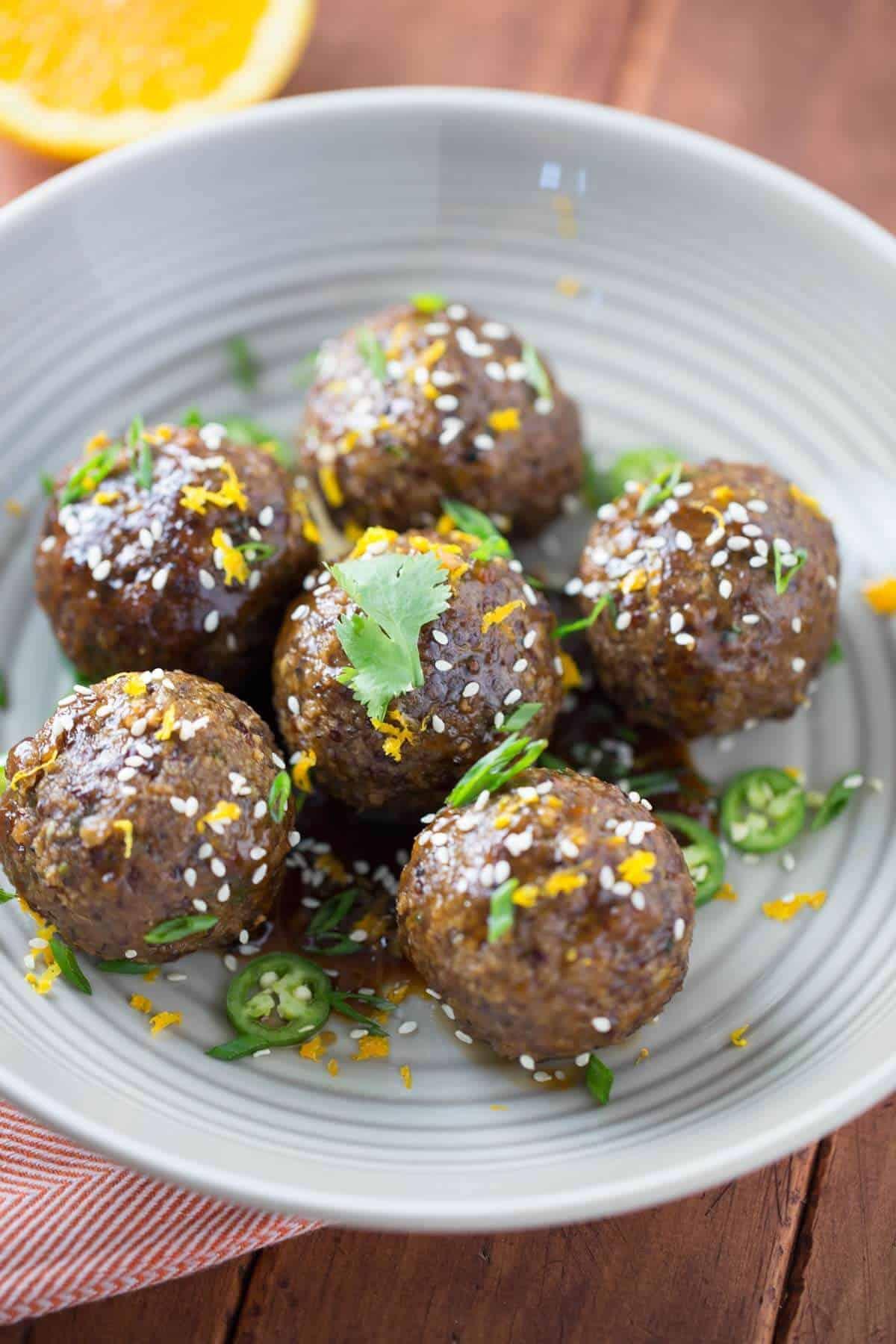 Savory Asian Spiced Quinoa Meatballs with Orange Sauce | jessicagavin.com #healthyrecipe