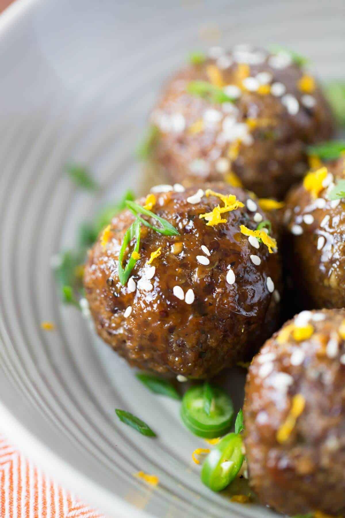 Asian Spiced Quinoa Meatballs with Orange Zest | jessicagavin.com #chineserecipe