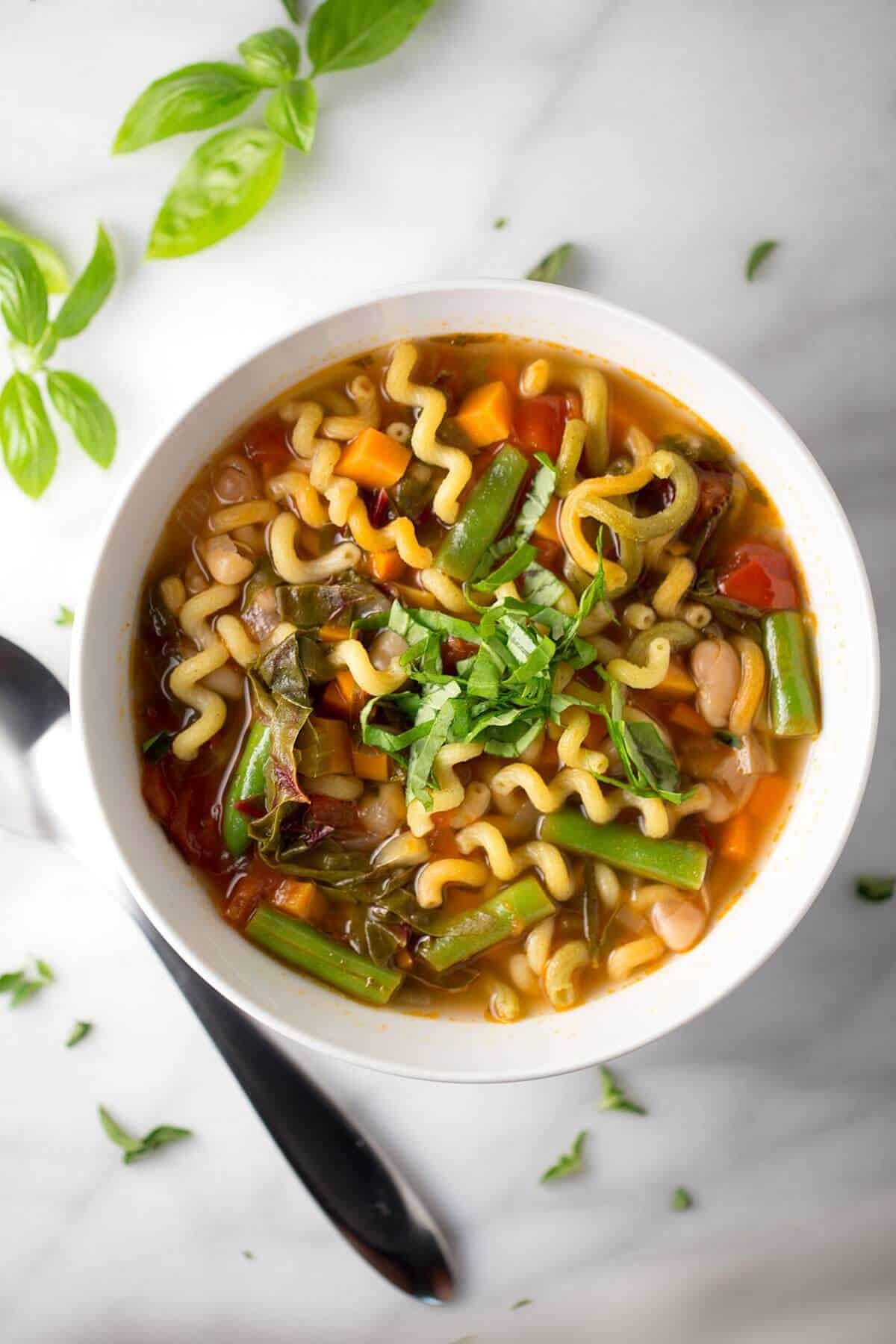 Classic italian minestrone soup recipe jessica gavin for 10 calorie soup gourmet cuisine