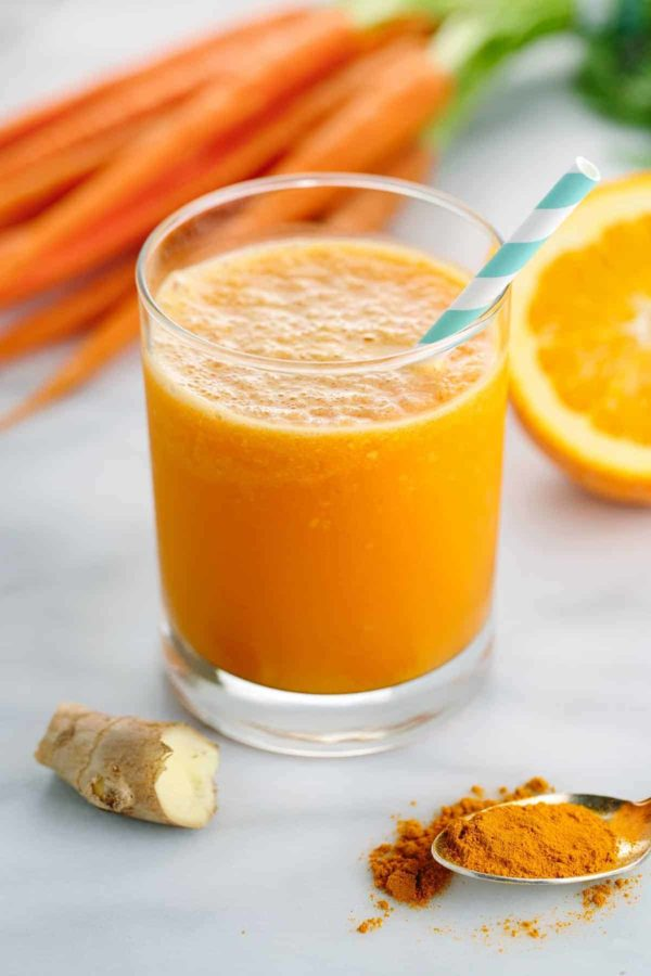 Carrot Ginger Smoothie with Turmeric