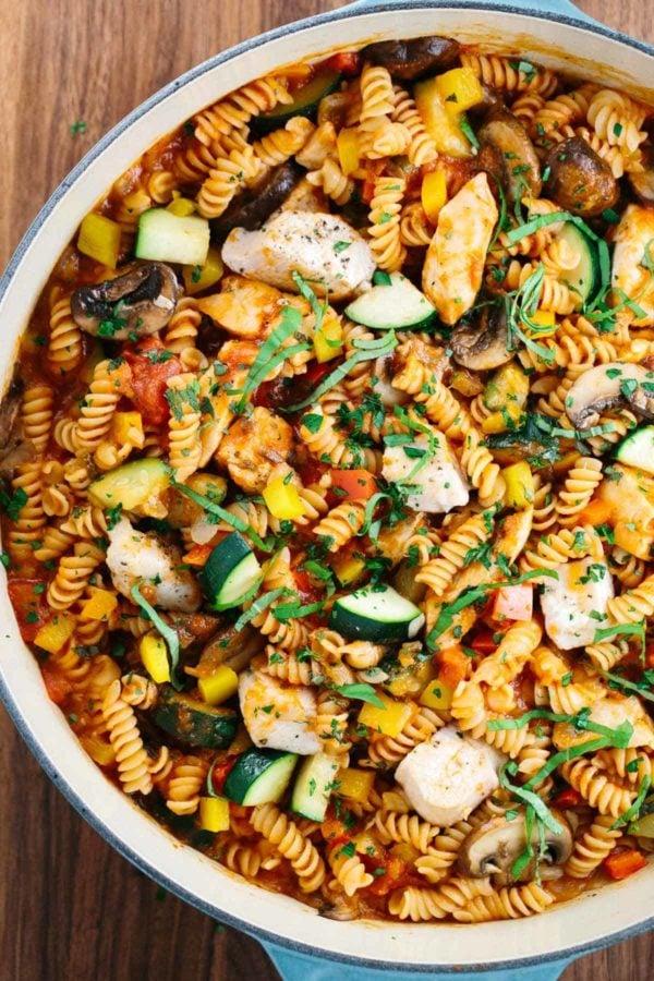 Pot of chicken cacciatore pasta