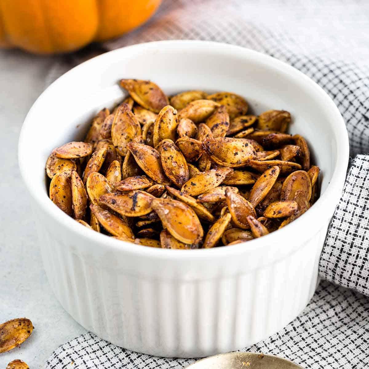 How To Roast Pumpkin Seeds Step By Step Jessica Gavin
