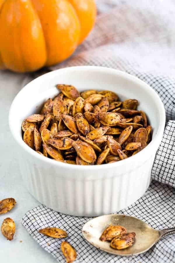 How to Roast Pumpkin Seeds - Save the seeds from your pumpkins this year and make roasted pumpkin seeds for a healthy, crunchy snack.