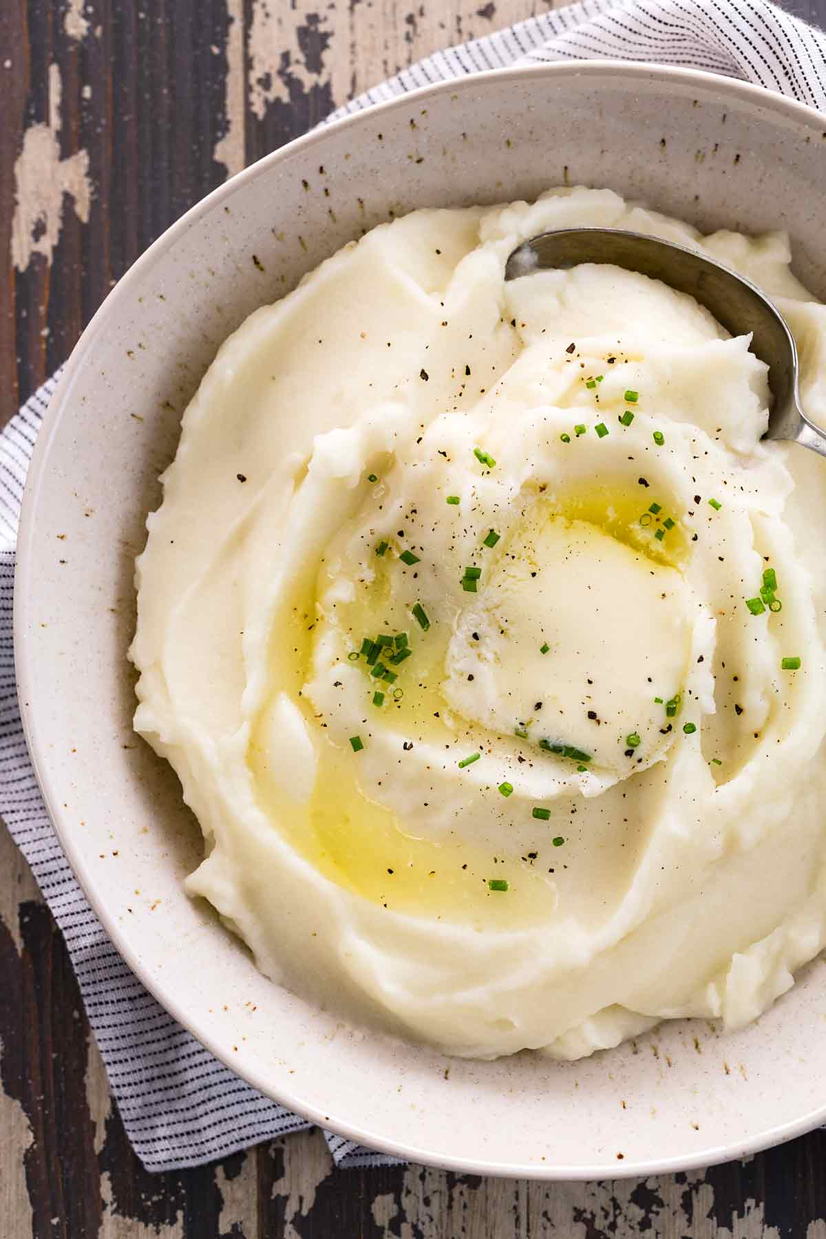 Homemade mashed potatoes prepared using Russet potatoes make for a light, fluffy and creamy side dish.