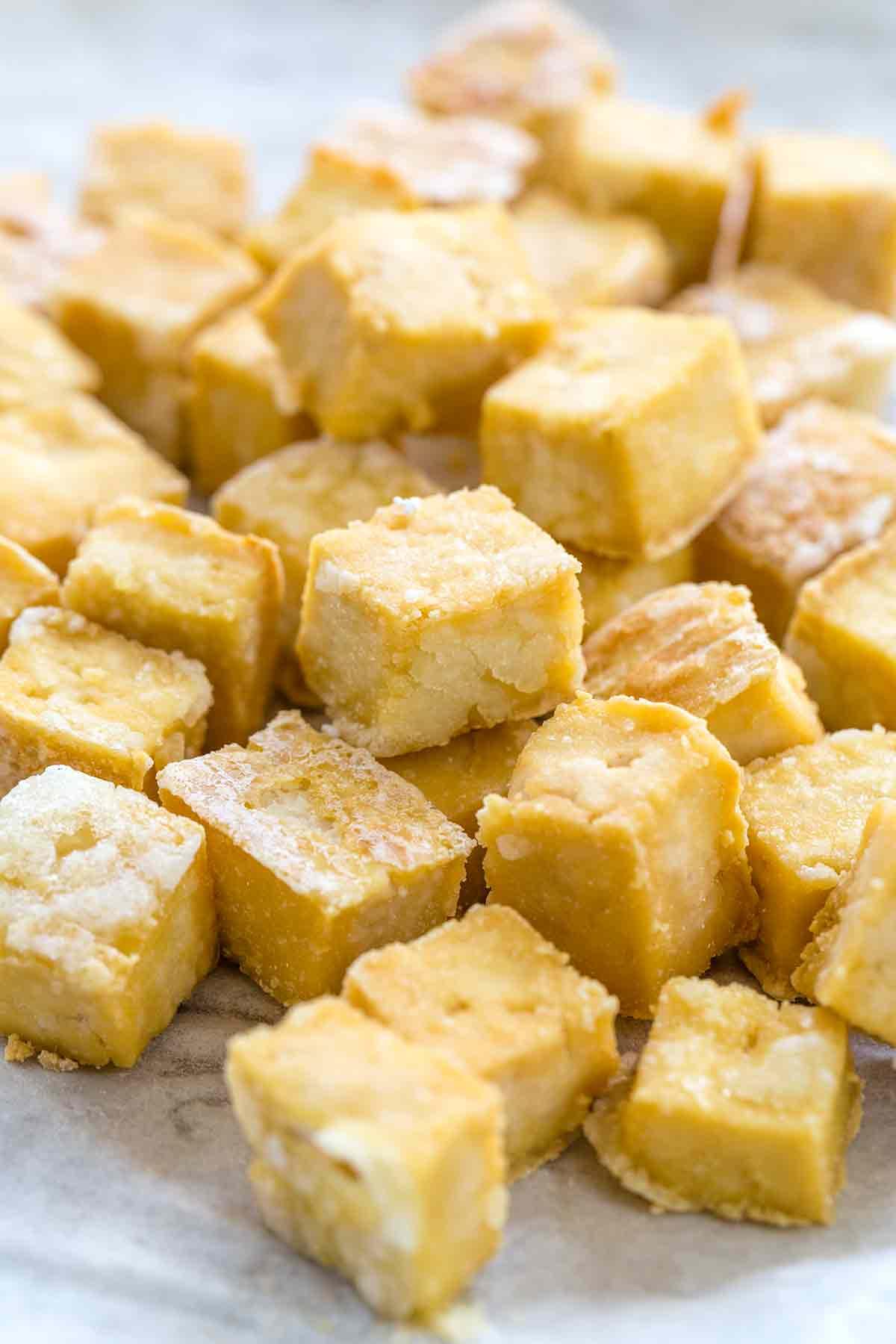 Crispy baked tofu cubes