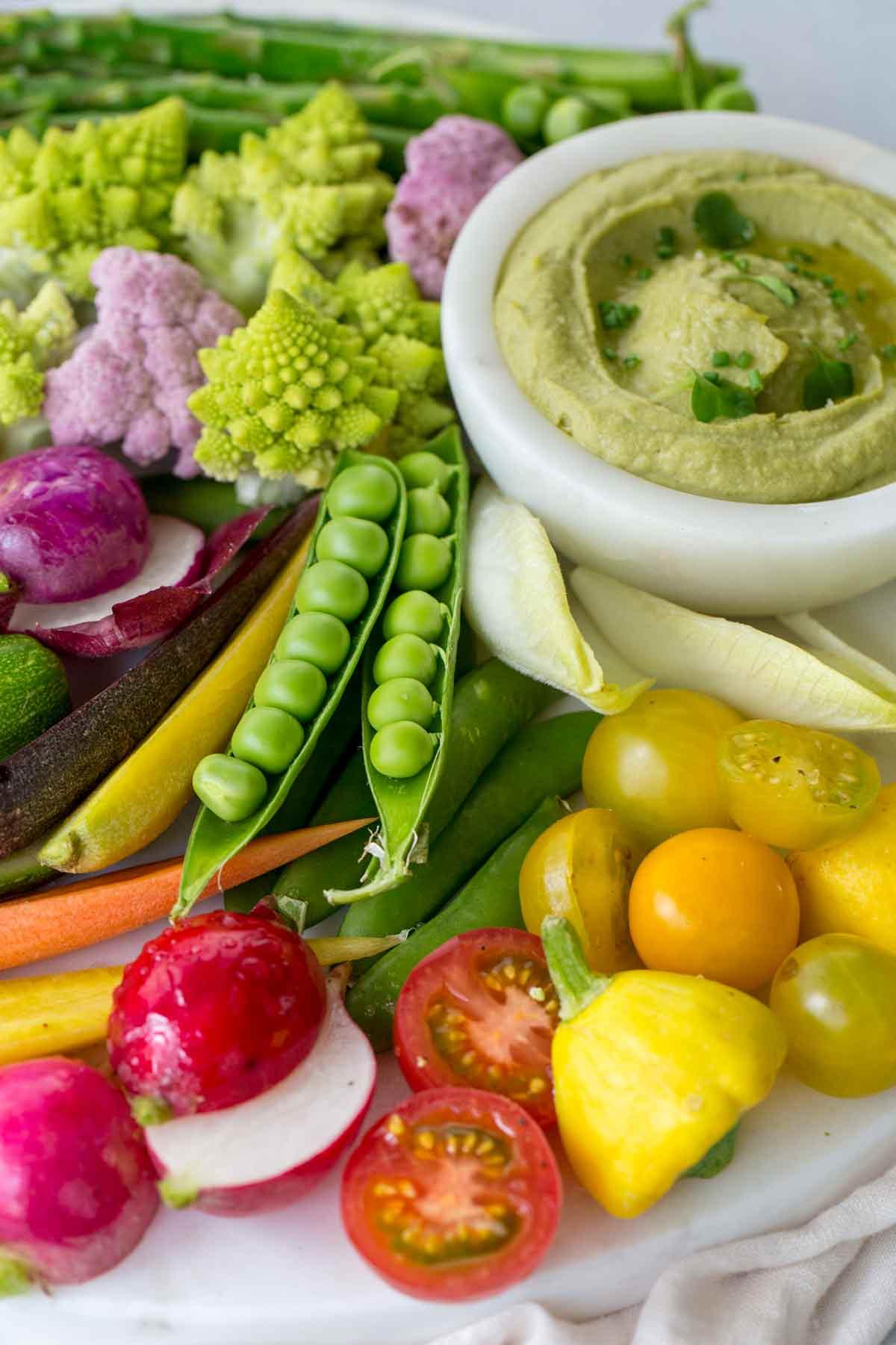 Vegetable platter with pea hummus dip