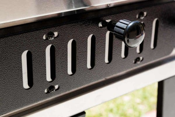 Air vents for a charcoal grill