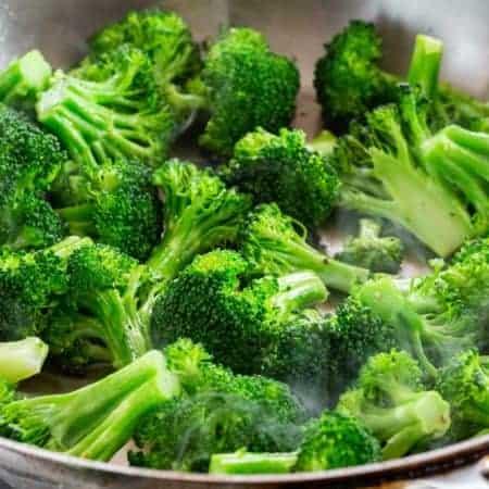 How to Cook Broccoli (5 Easy Methods)