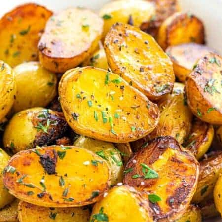 Skillet Potatoes with Garlic and Herbs