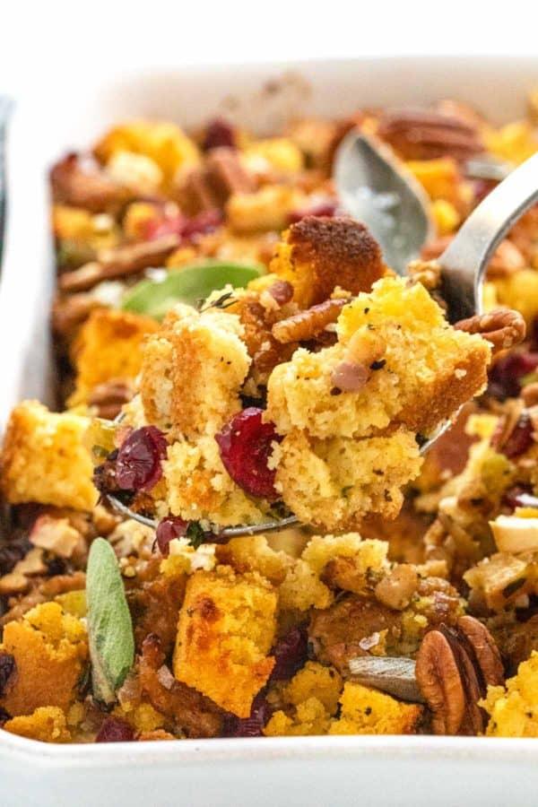 serving cornbread dressing for thanksgiving