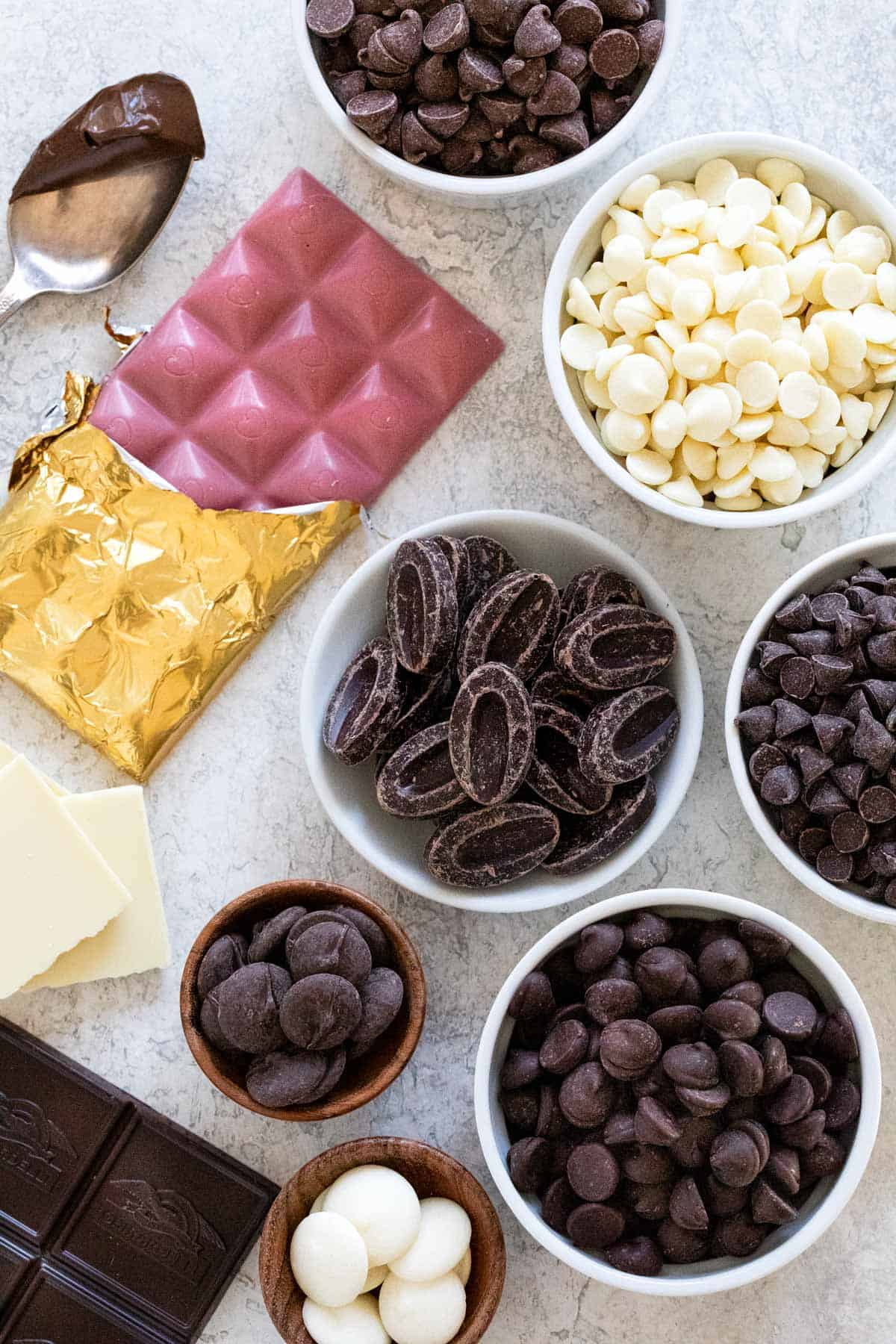 o you love chocolate, but do you know what it's in it, how it's made, and when to use each of the different types of chocolate? #chocolate #typesofchocolate #dessert