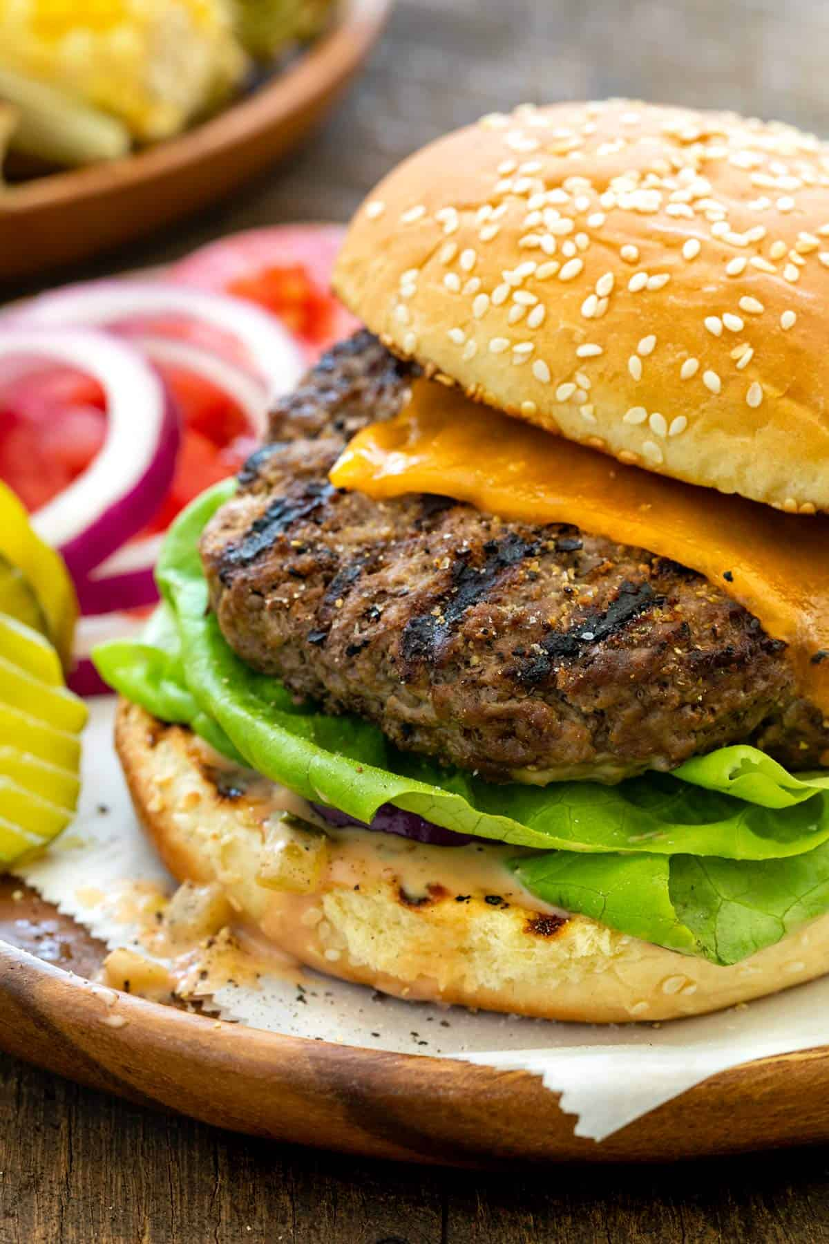 Perfect Grilled Burgers - Jessica Gavin