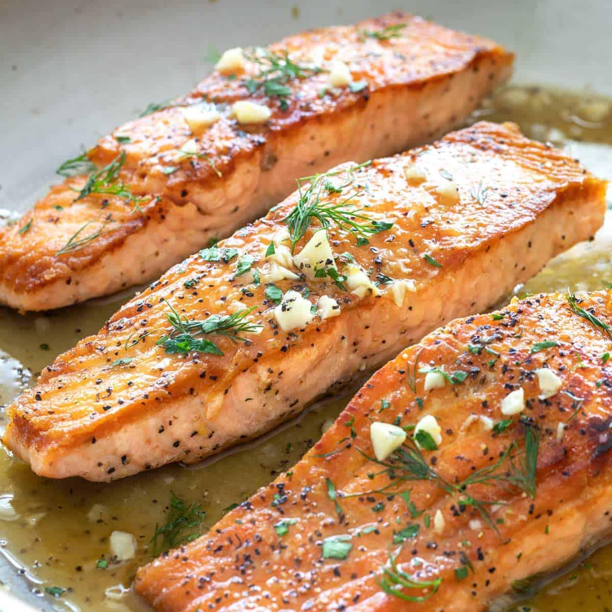Pan-Seared Salmon with Lemon Garlic Sauce