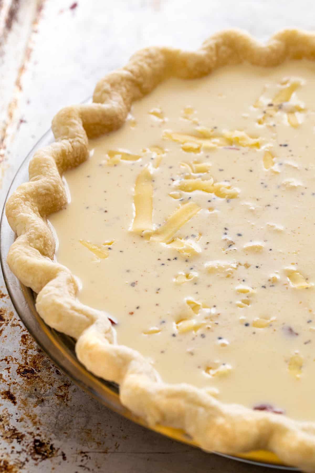 liquid filling inside a pie crust